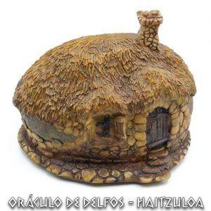 Casa duende estilo cabaña circular