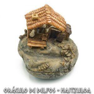Casa duende sobre roca