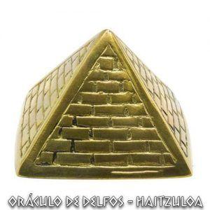 Piramide de bronce
