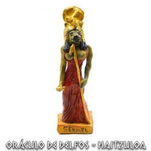 Figura Sekhmet artesanal