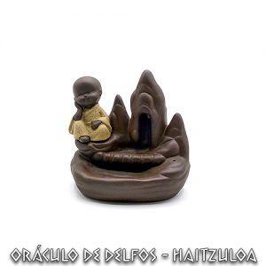 Fuente conos de reflujo Buda meditando